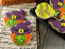 how to make halloween witch cookies royal icing cookie cutters