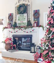Tall Christmas Mantel Decorations by 323 Best Christmas Mantels Images On Pinterest Christmas Ideas