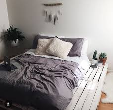 Platform Bed Bedspreads - best 25 pallet beds ideas on pinterest diy pallet bed bed