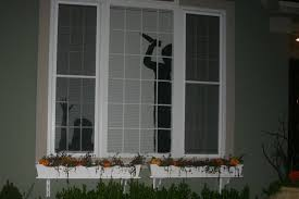 use window silhouettes to decorate your house for hallo