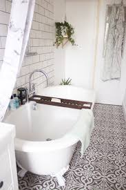 best ideas about vintage bathroom floor pinterest outside best ideas about vintage bathroom floor pinterest outside tiles city style mirrors and classic white bathrooms
