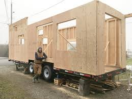house builder tiny houses offer alternative option