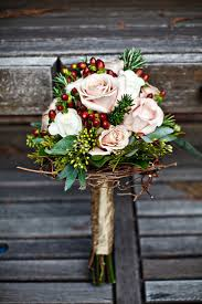 the best flowers for holiday weddings