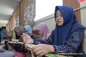 Wanita Datang Bulan Boleh Baca Quran Ringkasan Adab Menghafalkan Al Qur An Dalam Keadaan Haid Pusat