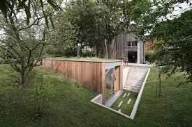 a sunken garden workshop in belgium by l u0027escaut