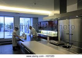 office de cuisine classroom with kitchen in ecole de cuisine alain ducasse alain