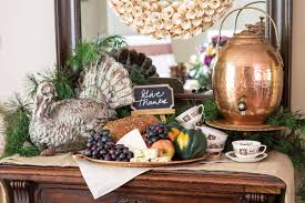 set a thanksgiving table inspired by the harvest