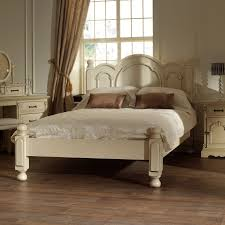 Distressed Bedroom Furniture White by Bedroom Antique White Distressed Bedroom Furniture Oak King Size