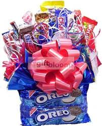 edible gifts delivered 67 best snacking gift basket images on candy baskets