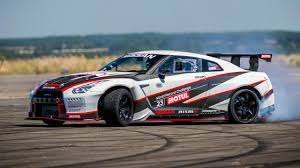 nissan godzilla 2016 video watch the 1400bhp nissan gt r drift car go nuts top gear