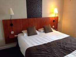 chambre simple ou très chambre deco simple mais spacieuse et le lit très