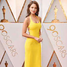 yellow dress eiza gonzalez wearing yellow dress at the oscars 2018 popsugar