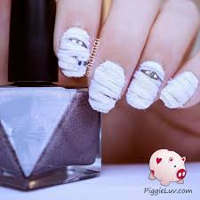 piggieluv 3d mummy nail art for halloween