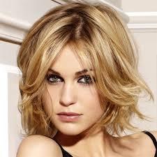 quelle coupe pour cheveux ã pais les 25 meilleures idées de la catégorie coiffures pour visage oval