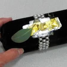 How To Make A Wrist Corsage How To Make A Wrist Corsage Easy Diy Wedding Flower Tutorials