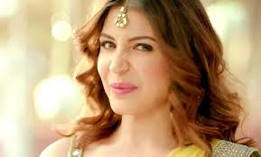 commercial actresses hot anushka sharma looks hot in saree in her new ad for beverage brand