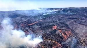 utah wildfire levels 13 homes forces evacuation of 1 500 people