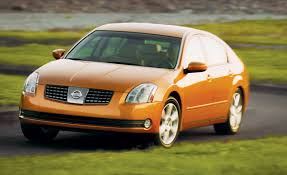 white nissan 2004 2004 nissan maxima 3 5se road test reviews car and driver