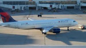 black friday delta airlines hd delta airlines airbus a320 pushback and taxi dtw n320us