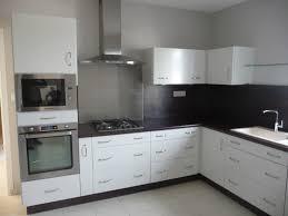 cuisine blanche laqué cuisine laque blanche plan de travail gris