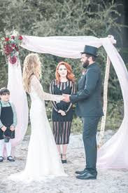 red and black halloween wedding ideas