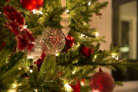 Pre Lit Pre Decorated Christmas Trees How To Keep Your Pre Lit Tree Shining Bright Modern Display