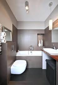kleine badezimmer beispiele moderne kleine badezimmer kleines badezimmer fliesen einbauwanne