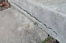 how to fix cracks in concrete with quikrete fastset repair mortar