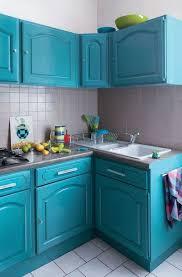 meuble cuisine bleu idée relooking cuisine comment rajeunir une cuisine moche