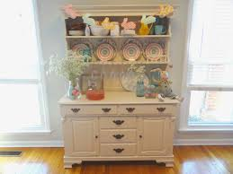 Decorating A Hutch City To South Easter Hutch