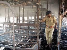 The Barning Train Godhra Train Burning Case Hc Commutes Death Sentence Of 11 To