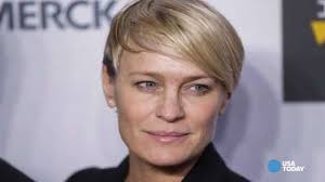 house of cards robin wright hairstyle how robin wright got same pay as house of cards co star kevin spacey