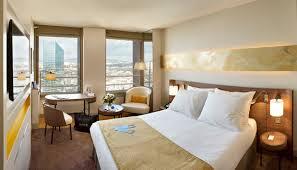 hotel lyon dans la chambre le radisson lyon prend de la hauteur