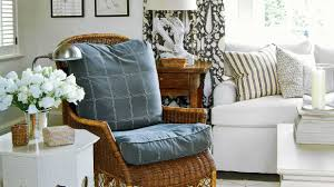 Home Design By Annie Dear Mrs Howard How To Mix And Match Fabrics Southern Living