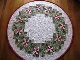 Quilted Christmas Tree Skirts To Make - 52 best christmas tree skirts images on pinterest diy carpets
