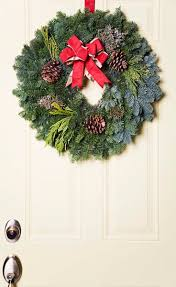 how to make cheap outside christmas decorations budgeting money
