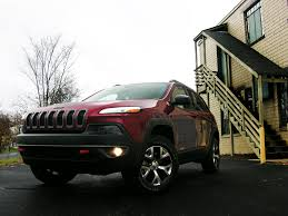 2016 jeep cherokee sport white 2016 jeep cherokee trailhawk review a wrangler for the suburban set