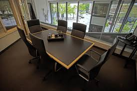 private meeting room for 6 at intelligent office columbus
