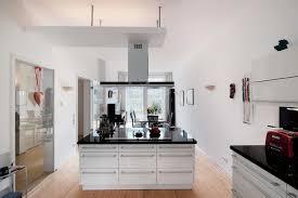 luxus kche mit kochinsel außergewöhnliche wohnung mit luxusküche im wasserschloss