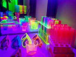 cool how to decorate for a black light party inspirational home