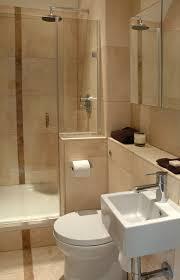 kleine badezimmer fliesen bad fliesen ideen kleine bäder möbelideen