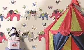tapisserie chambre enfant papier peint chambre d enfant et rêves en couleurs papier peint enfant