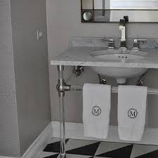 black white silver bathroom design ideas