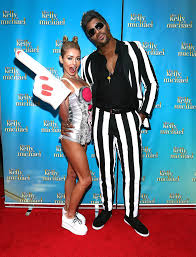 funny halloween costumes 2 people over 250 celebrity halloween costumes halloween costumes