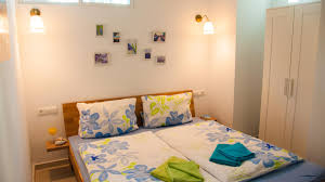 flores del mar about master bedroom with tv also in english spanish german a c wardrobe and en suite