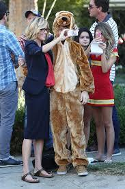 modern family halloween sarah hyland on the set of modern family celebzz celebzz