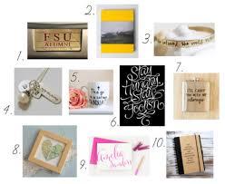 college grad gift ideas 10 graduation gift ideas college fashion
