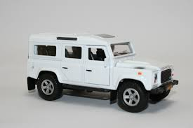 land rover kid white land rover defender die cast model kids globe traffic v060705w