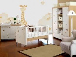 wohnideen minimalistische kinderzimmer beige giraffe sterne wohnideen babyzimmer neutrale designs baby