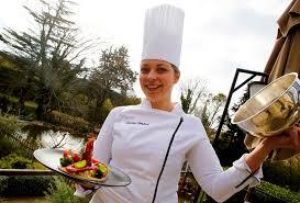 cuisine m6 top chef justine imbert cuisinière aux baux de provence participe à top